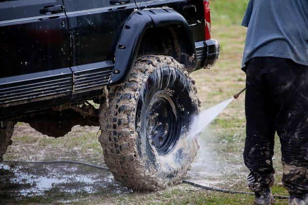 carwash-clean-jet-wash-off-road-4x4-mud